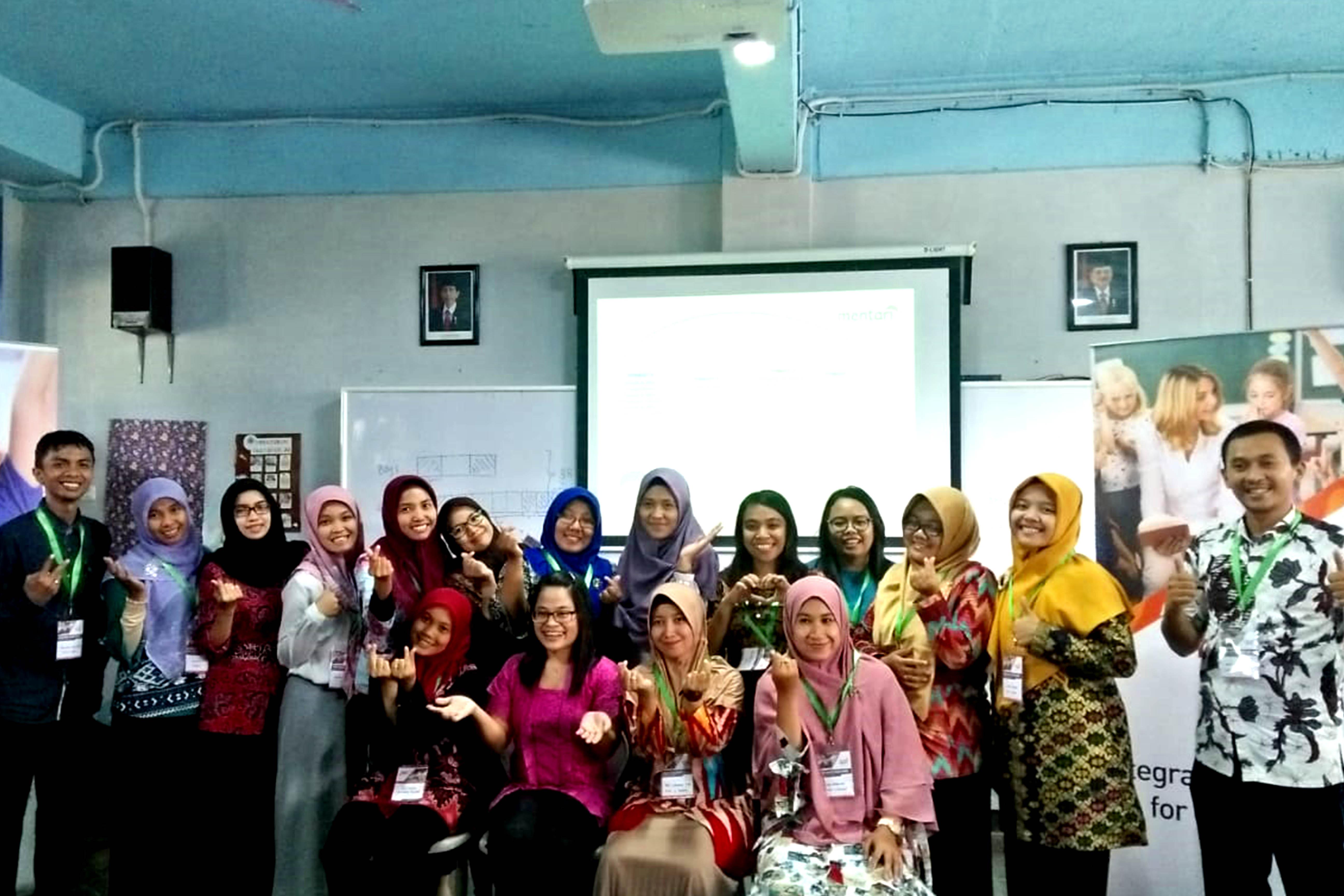 Training Guru Di Dalam Dan Luar Negeri